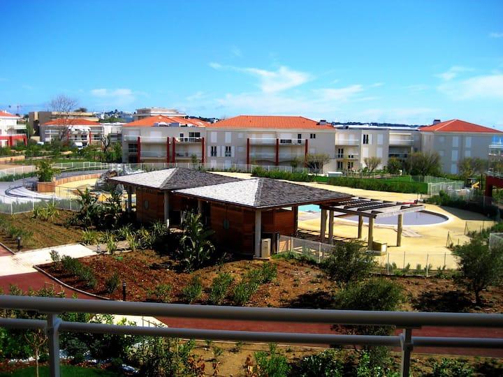 Domaine Juan Flore - Pool and walk to beach