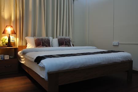 Private Double Room walking distance to Shwedagon - Rangun