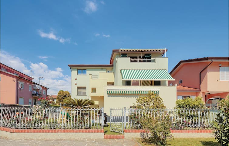Semi-Detached with 2 bedrooms on 90m² in Fiumaretta-Ameglia SP