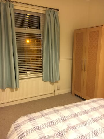 Double Room to rent Altrincham - Altrincham - Casa