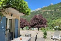 Domaine la Pique, private terrace of this house, Tournesol
