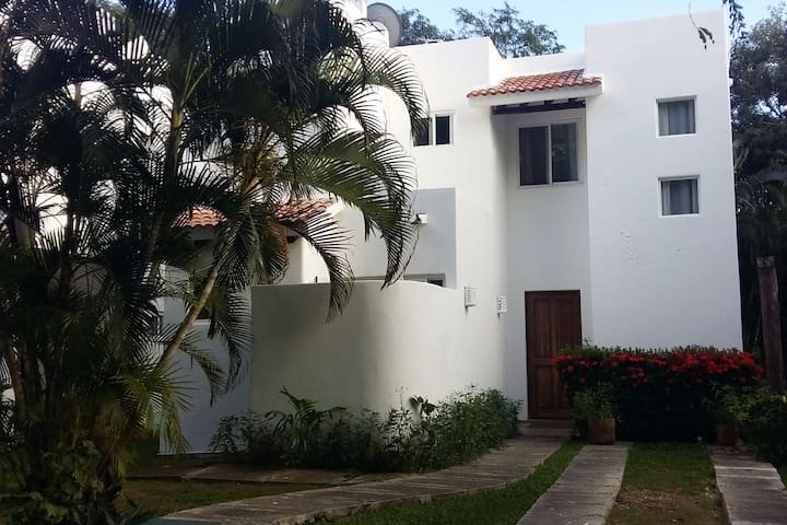 Nice home with 2 rooms in best area in Playa - Playa del Carmen - Dům