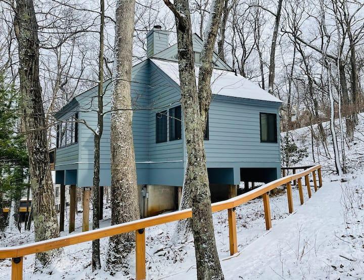 Cozy Treeloft in Wintergreen Mountain Resort