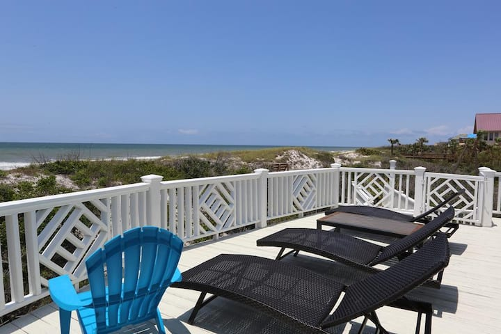 Gulf Front, Mother-In-Law Suit, Vaulted Ceilings, Great Views ~ Summersands