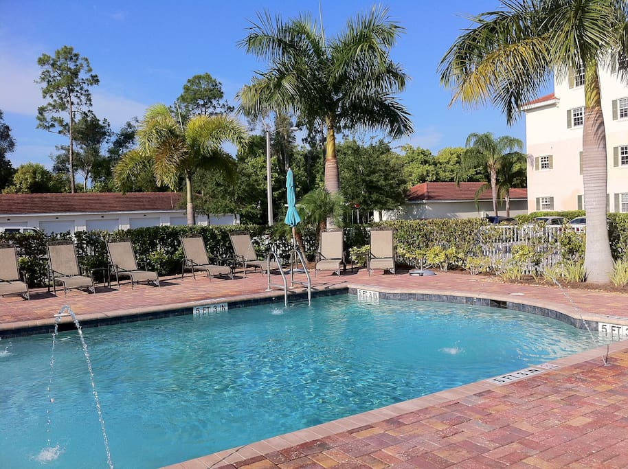 The good size heated pool is very close to our apartment and is always in excellent condition.