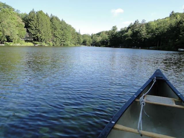 Sweet Summer Cabin on Private Lake near Berkshires
