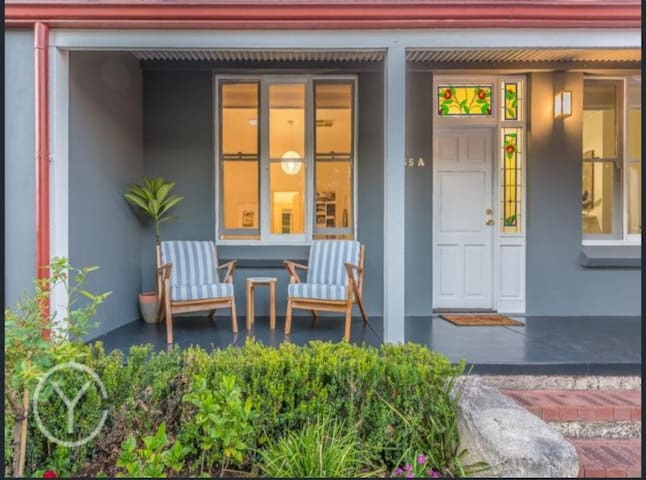 Gorgeous, Peaceful Home & Garden in Central Perth - West Leederville