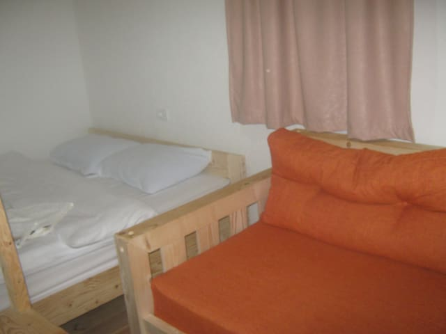Rooms Pahulja-Quiet and relax double bed bedroom - Selišta - Appartamento