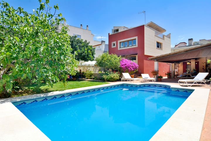 Casa con piscina privada para 8 personas