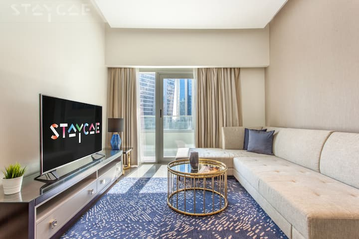 Sophisticated 1 Bedroom III City View in Downtown