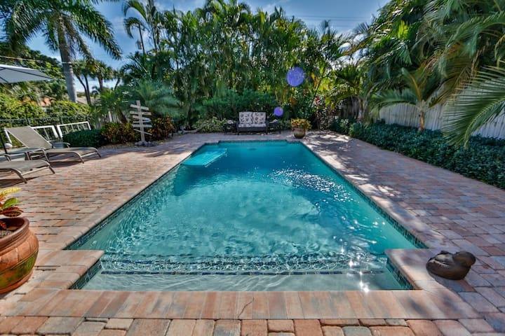 Great Topical Retreat with Private Pool - Lake Worth - Casa