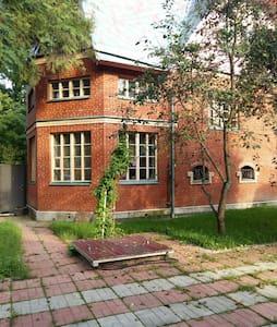 Дом эпохи СССР в 18 км от Москвы - Ev