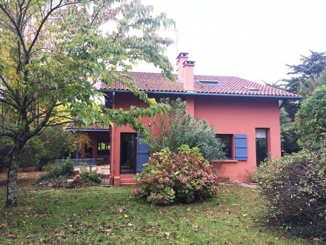 Villa avec grand jardin  centre Capbreton