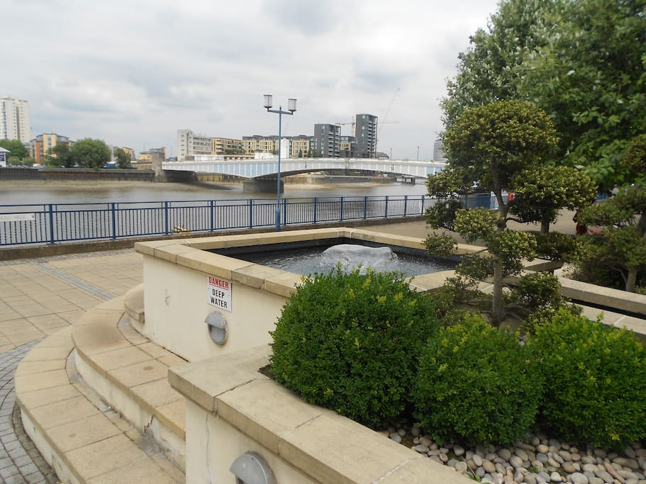 Riverfront with view of Wandsworth Bridge