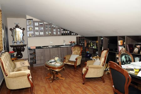 Stylish 3-bed apartment with Terrace in Mansourieh