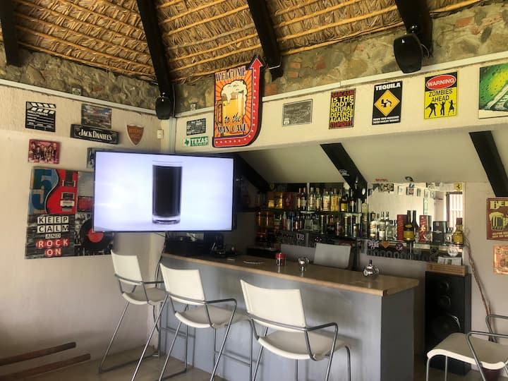 Casa alberca Privada salon de juegos palapa bar