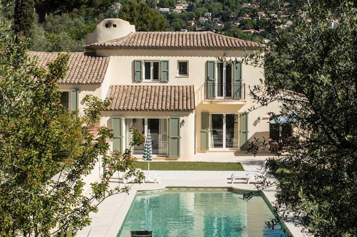 Appartement dans oliveraie avec accès piscine