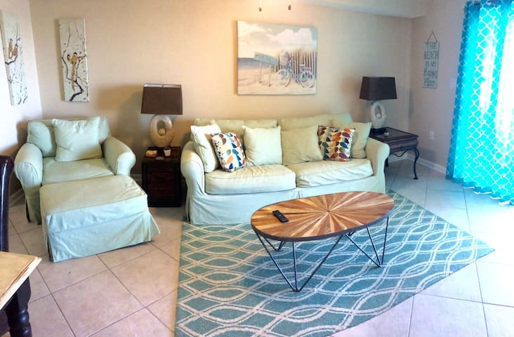 15% off for May open dates at updated 1 BR + bunks - Orange Beach - Condominium