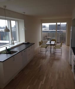 New apartment 100 meters from train station - Lägenhet