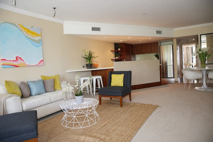 Beautiful Coogee Beach Apartment