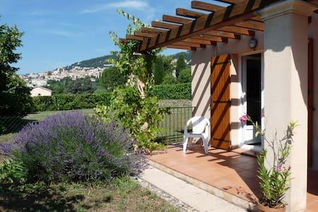 Coquette villa de plain pied - Grasse