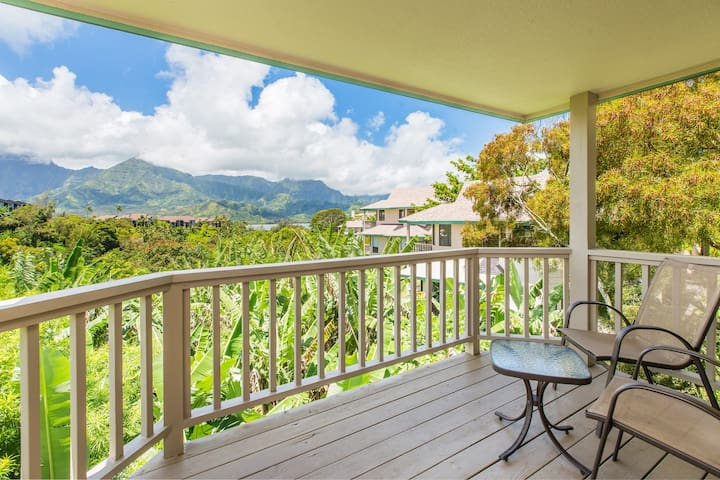 Ocean & mountain views lovely condo