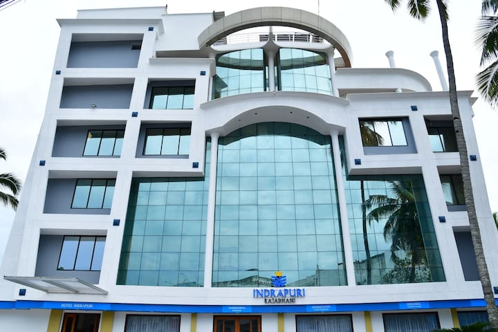 Indrapuri Rajadhani 3 star business class hotel
