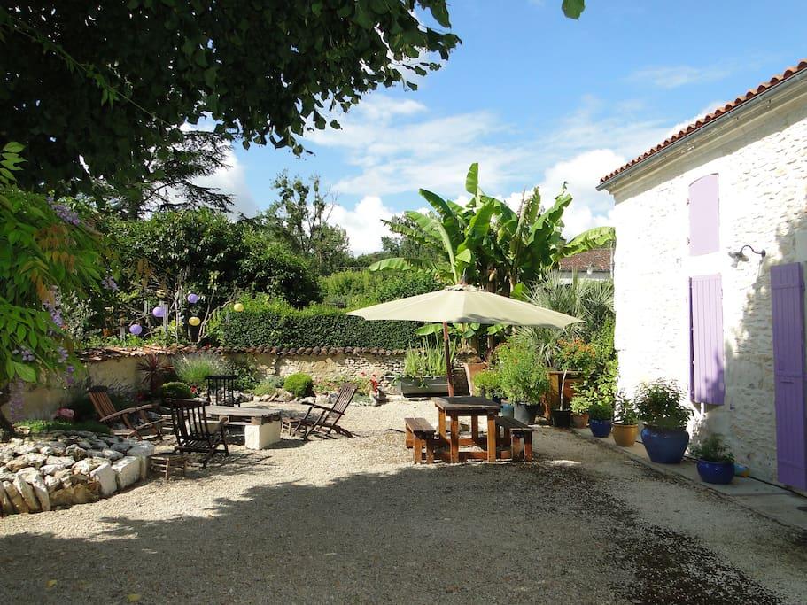 La terrasse, gîte Le Tilleul