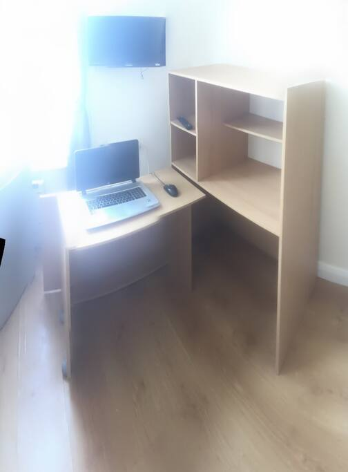 Hideaway/pull out desk to maximise space
