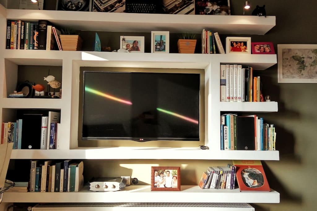 The apartment features a 42inch smart TV, plus a high-end stereo (bluetooth enabled) for music and film lovers!