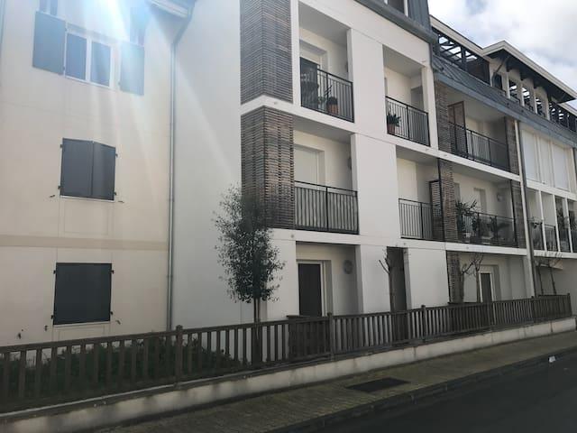 Arcachon centre résidence récente - Arcachon - Apartment