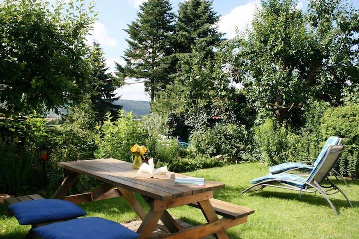 Acogedor apartamento de vacaciones en Oberfranken con entrada independiente y sauna propia
