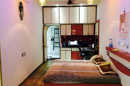 A Big AC room with Small balcony - Ahmedabad