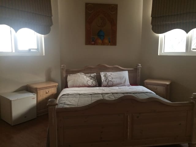 Promotional price Private bed/bath - Abu Dhabi