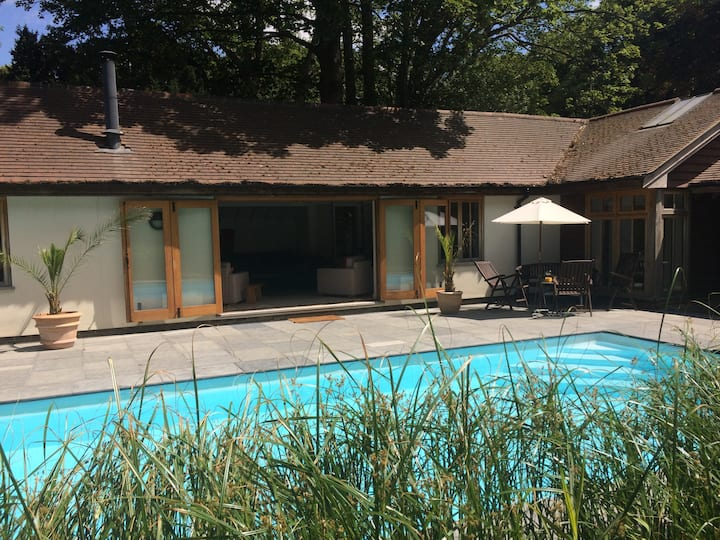 Cottage with pool, tennis court and log burner