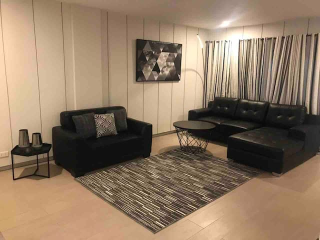 Newly Renovated 120SQM 3BR 3CRw/ balcony& maids rm