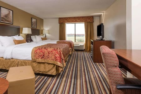 Boutique Quadruple Two Double Beds At Lake Charles