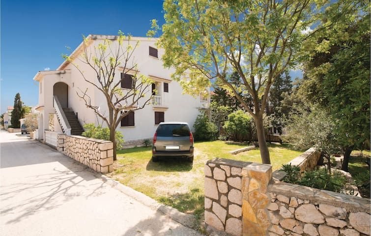Holiday apartment with 2 bedrooms on 54m² in Mandre