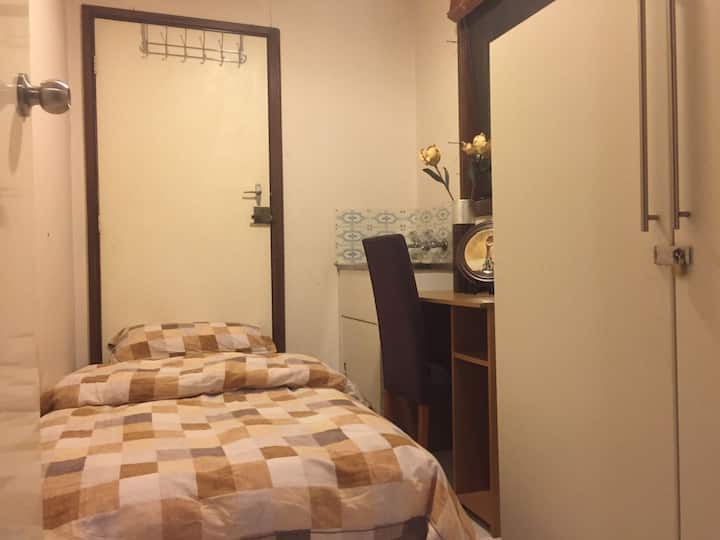 别墅低价快乐单人间(B7)Villa low price happy single room