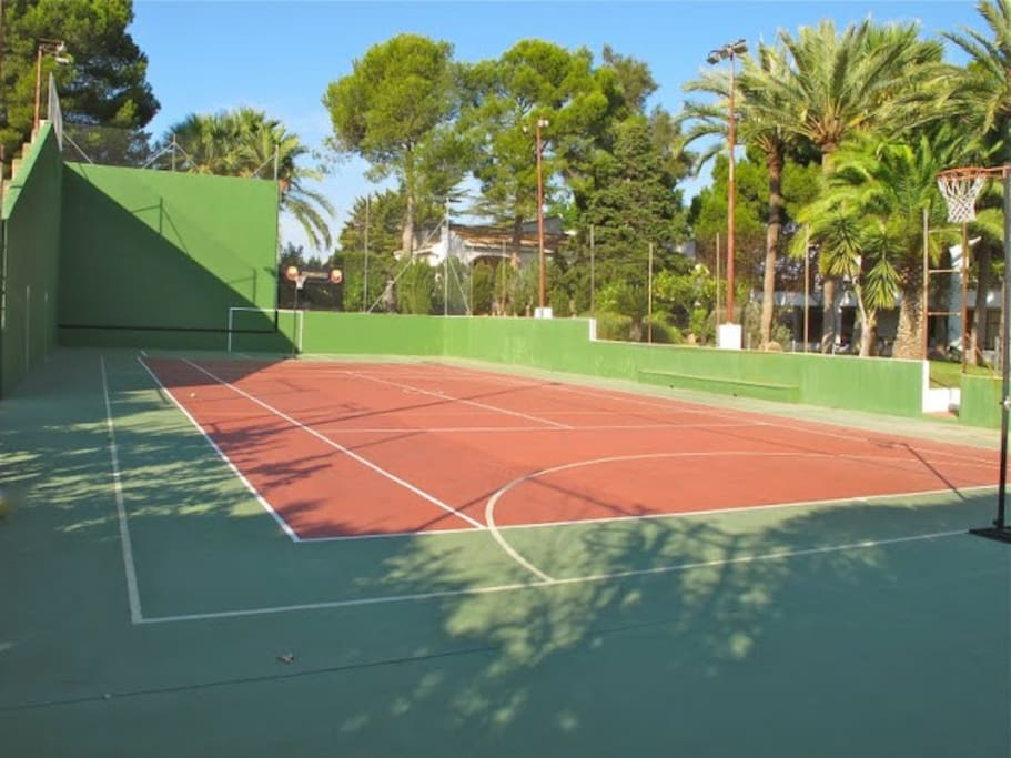 Tennis, Fronton, and 5 a side