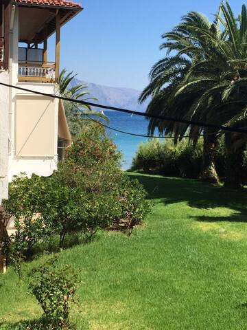 House in Lefkada, near the sea. - Nikiana - Appartement
