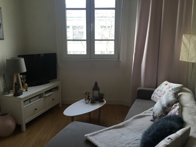 Nice flat in Paris ! Quiet place