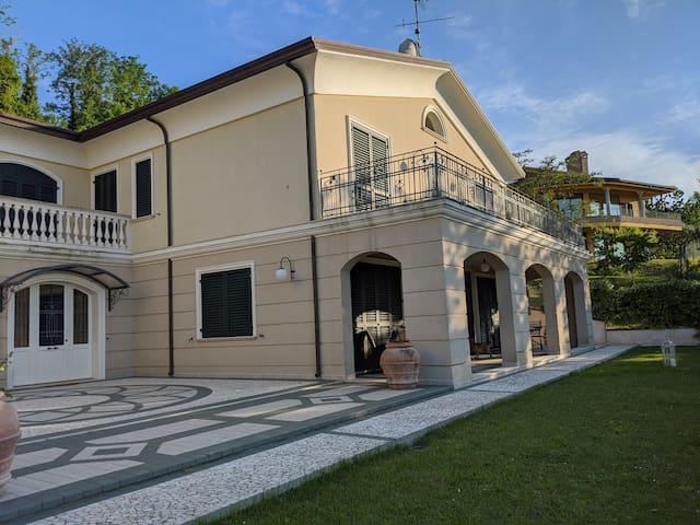 Villa Gauss in Montescudo-Montecolombo