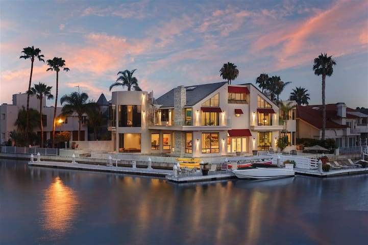Buccaneer Way- Water Front with Stunning Pool & Boat Slip