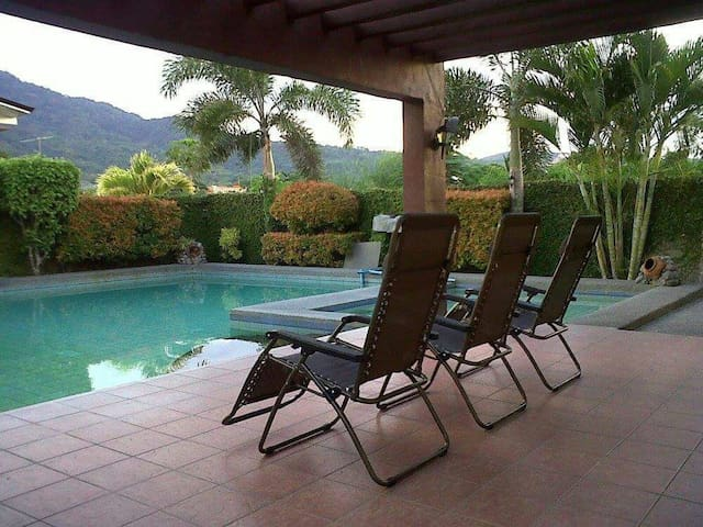 HotSpring Resort-Mountain View