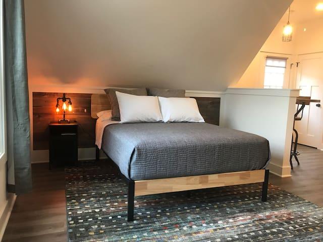 Queen Bed, High Quality Mattress