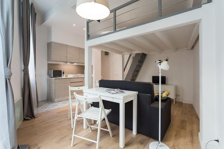 Port - Beau studio avec mezzanine