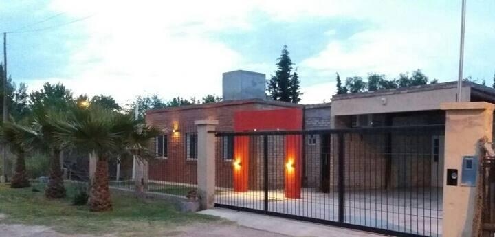 Casa familiar con piscina hasta 12 personas