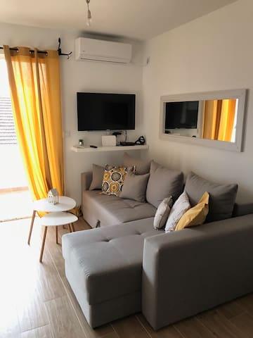 Brand new Studio Apartment on  the sea