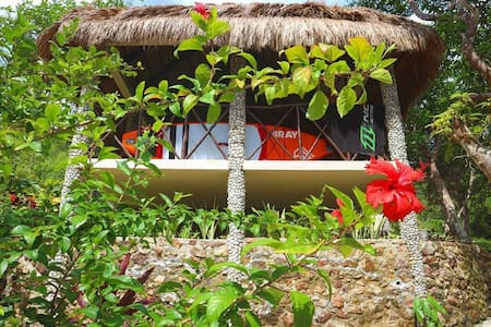 Island House. Private Bounty Villa in Busuanga